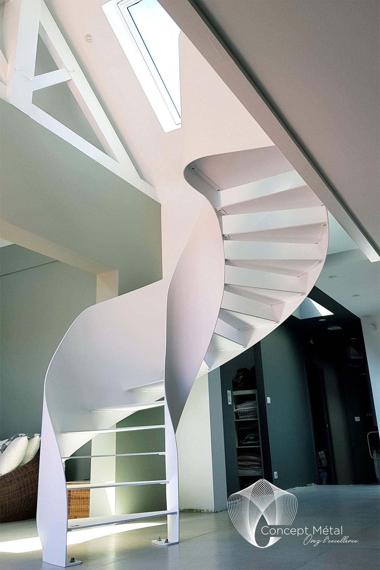 Escalier 2/4 Tournant Métal - Concept Métal - Bordeaux - Bassin d'Arcachon