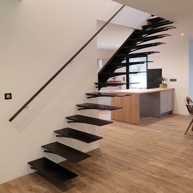escalier droit en metal sur mesure bordeaux